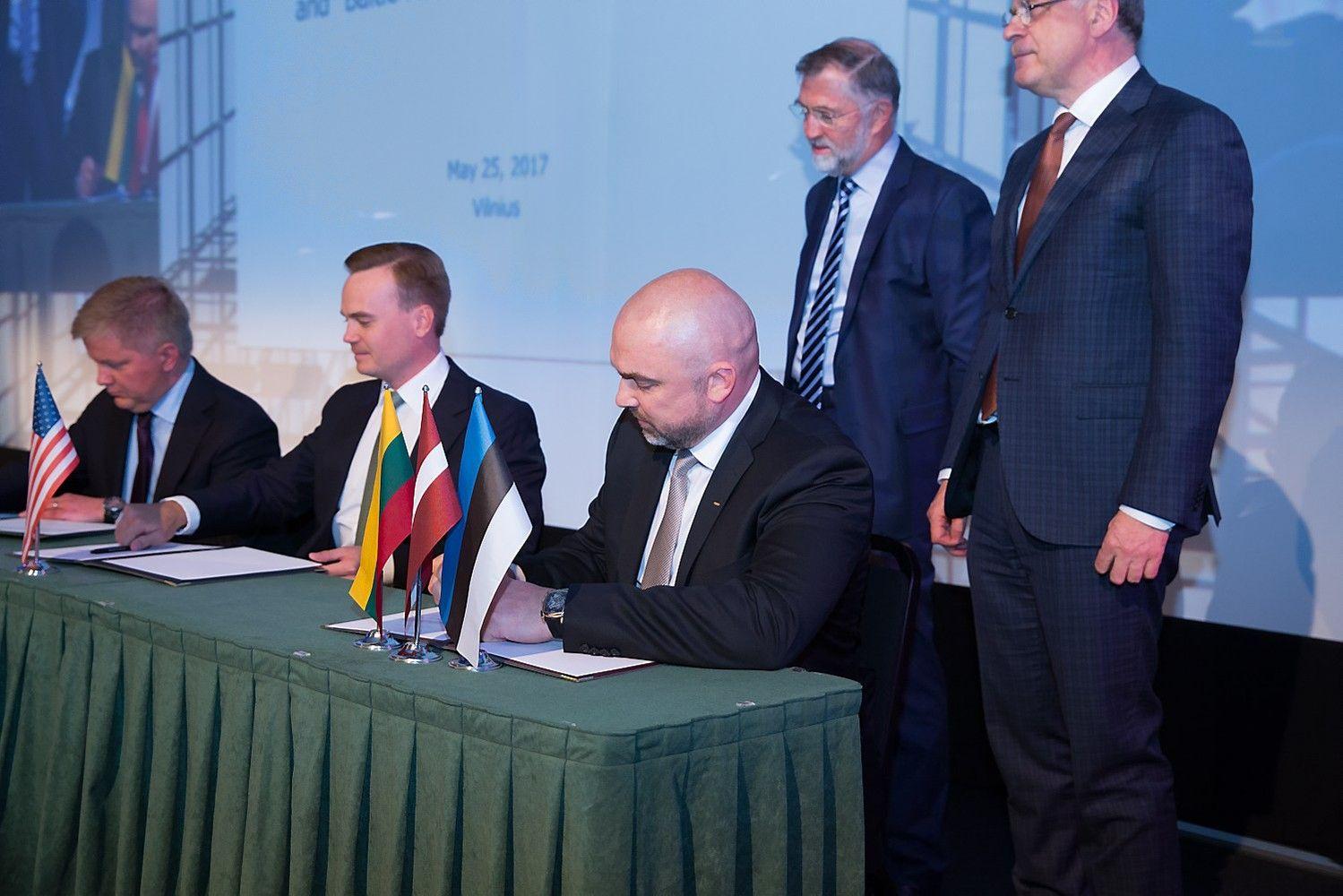 """""""Baltijos šalių NT investicijų forumas 2017"""": oficialiai užbaigtas rekordinis sandoris"""