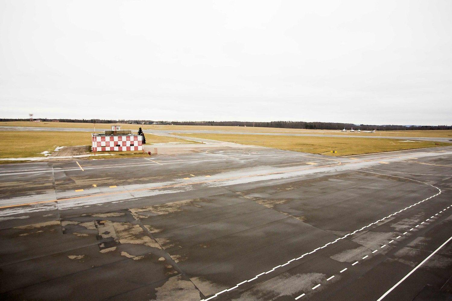 Naktį į ar iš Vilniaus skrendantys keleiviai gali sulaukti nepatogumų