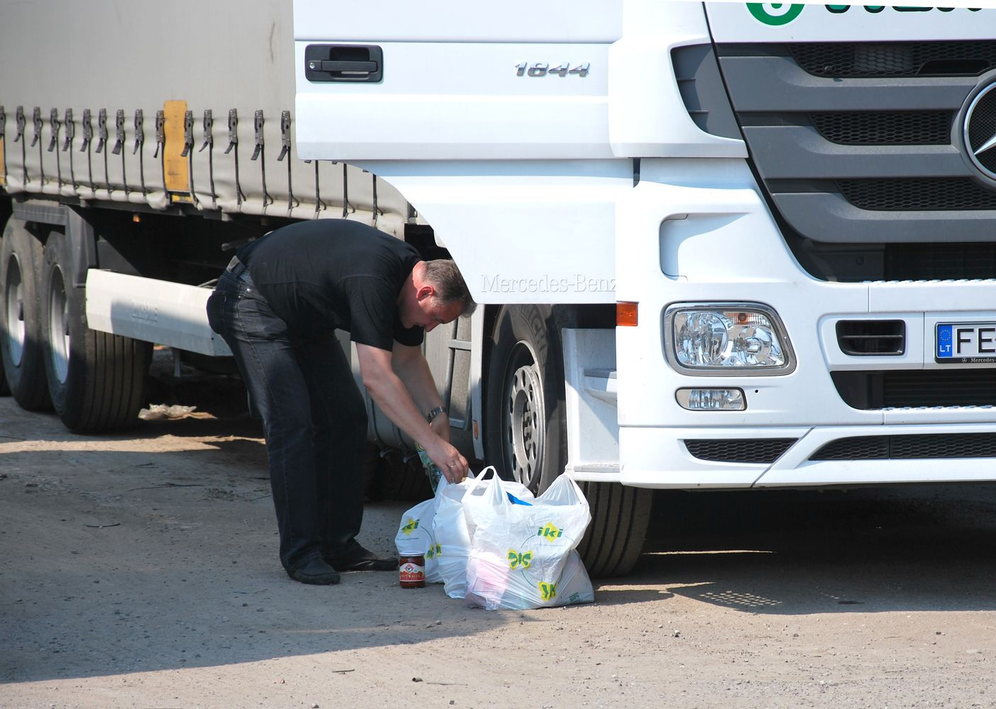 Vokietijoje – baudos vežėjams už kabinose besiilsinčius vairuotojus
