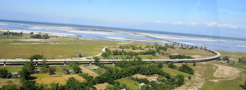 Ginčytinoje teritorijoje Indija atidarė ilgiausią šalies tiltą
