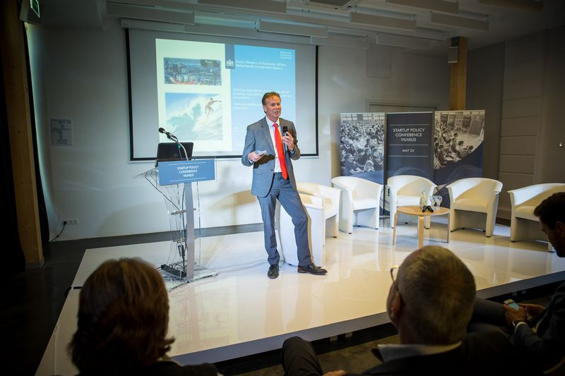 """Janas Dexelis, Nyderlandų ekonomikos ministerijos vyriausiasis patarėjas: """"Kad užšoktumėte ant inovacijų bangos ir sukurtumėte stambių bendrovių, reikia ir vyriausybės pasirengimo."""" Vladimiro Ivanovo (VŽ) nuotr."""