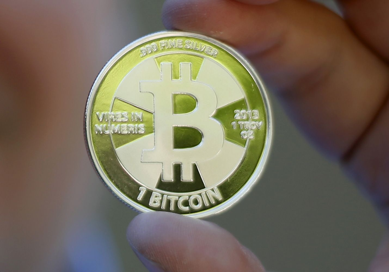 Bitkoinų rinkoje – 19% kainos nuopuolis