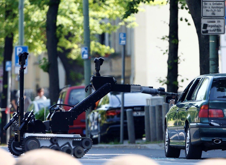 Berlyne įtartinas automobilis sukėlė ant kojų pareigūnus