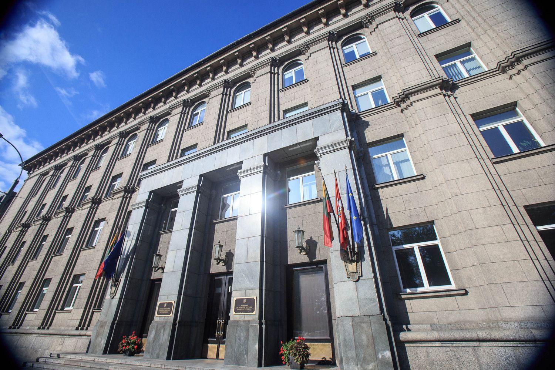"""Ekonominiai diplomatai tarsis, kaip į Lietuvą pritraukti """"Gigafactory"""""""
