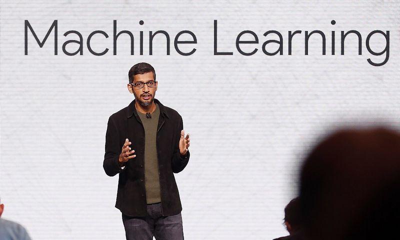 "Sundaras Pichai, ""Google"" generalinis direktorius. Becko Diefenbacho (""Scanpix"" / ""Reuters"") nuotr."