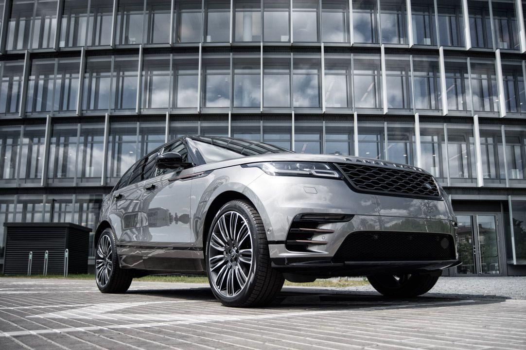 """Lietuvoje – naujausias """"Land Rover"""" modelis """"Velar"""""""