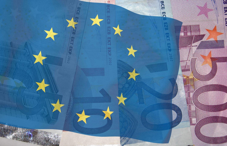 ES nori didesnės integracijos: bendro finansų ministro, apjungtų obligacijų