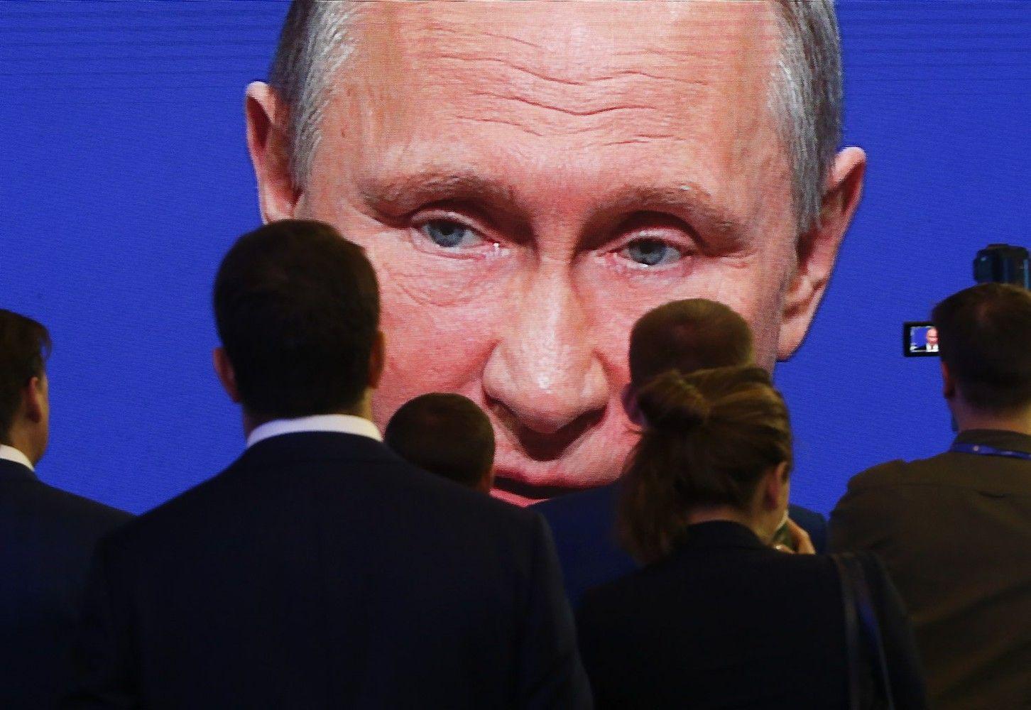 Putinas: Rusija atsigauna, kurs skaitmeninę ekonomiką