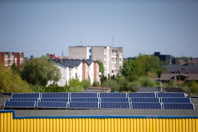 Kinai nori gaminti saulės modulius Estijoje