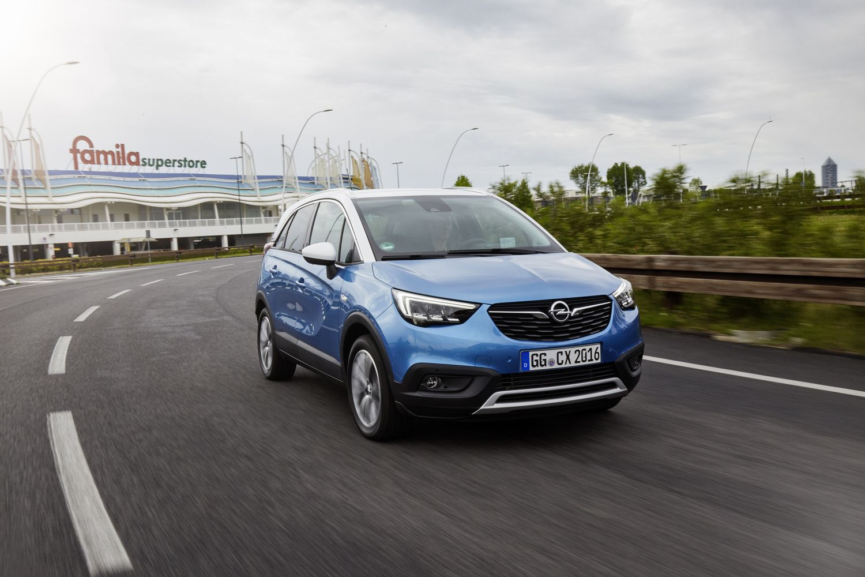 "VŽ bando ""Opel Crossland X"": flirtas su visa šeima"