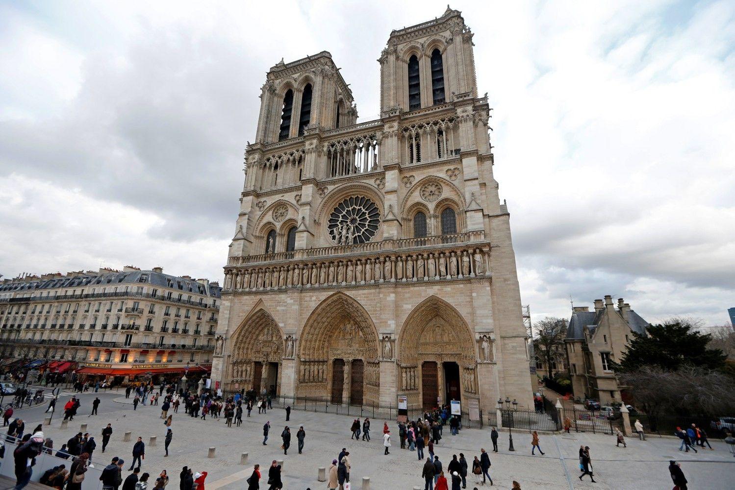 Paryžiaus centre policija pašovė įtariamą teroristą
