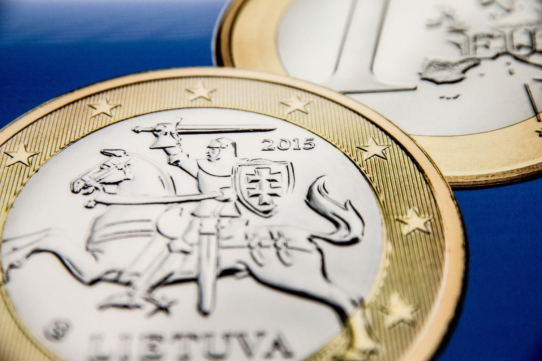 DNB siūlys agresyvius pensijų fondus: į akcijas investuos iki 100% lėšų
