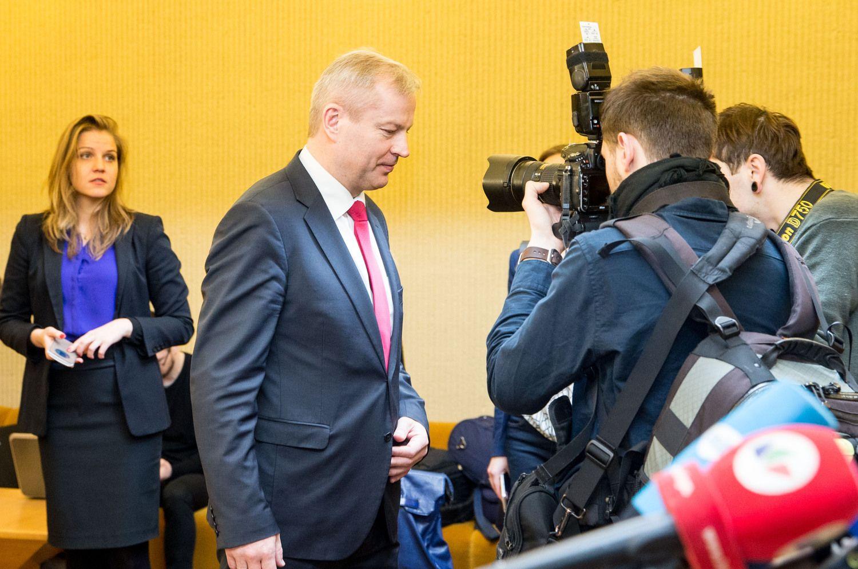 Seimas dėl Basčio apkaltos prašo Konstitucinio Teismo išvados