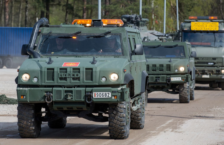 ES imasi bendro gynybos finansavimo ir svarsto apie vieningą gynybos politiką