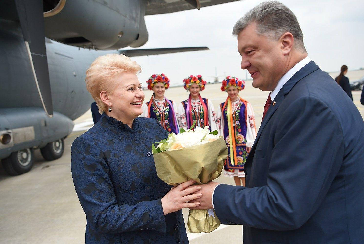 Grybauskaitė Charkove susitiko su Porošenka