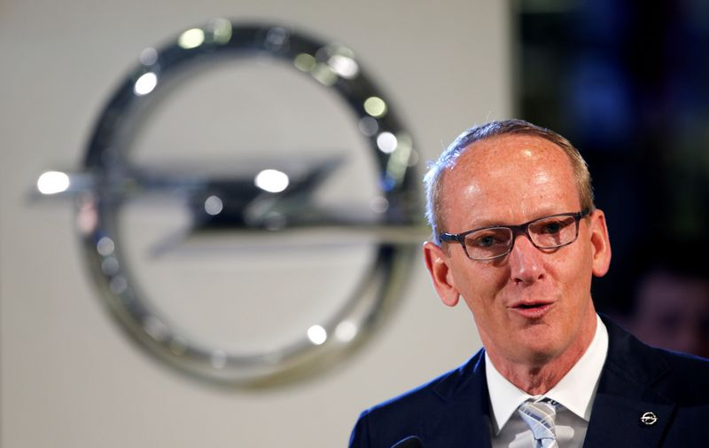"Karlas-Thomas Neumannas, ""Opel"" vykdomasis vadovas. Fabrizio Benscho (""Reuters"" / ""Scanpix"") nuotr."