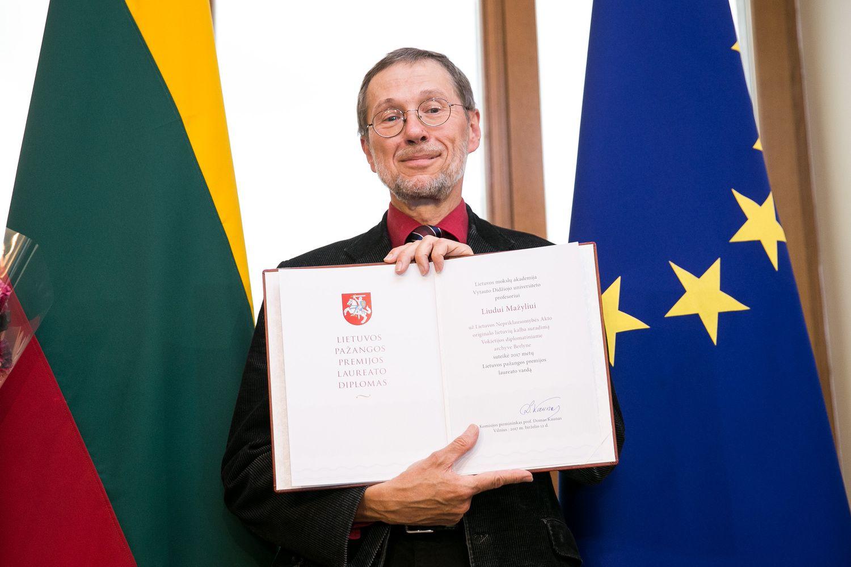 Vasario 16-osios Aktą atradusiam prof. Mažyliui įteikta pirmoji Pažangos premija