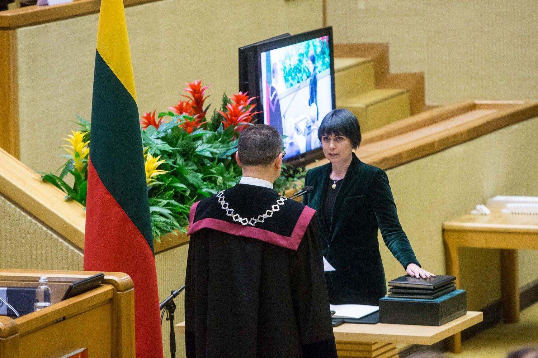 Šakalienė perėjo pas liberalus, naujuoju Seimo nariu tapo Navickas