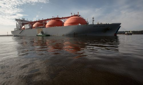 """JAV dujos sunkiasi pro """"Gazprom"""" kainų užtvaras"""