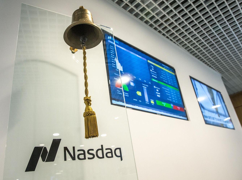 Šiaulių banko akcijas toliau slegia susiję asmenys