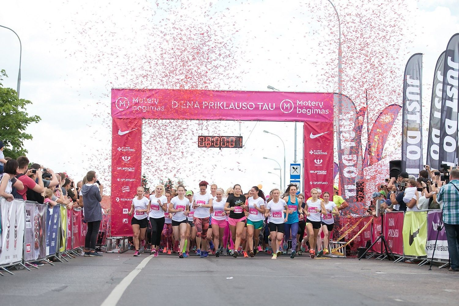Moterų bėgimas  pritraukė 1.500 dalyvių