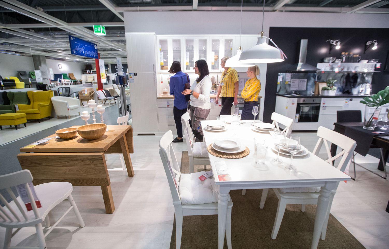"""""""Ikea"""" baldais prekiaus ir per trečiuosius asmenis"""