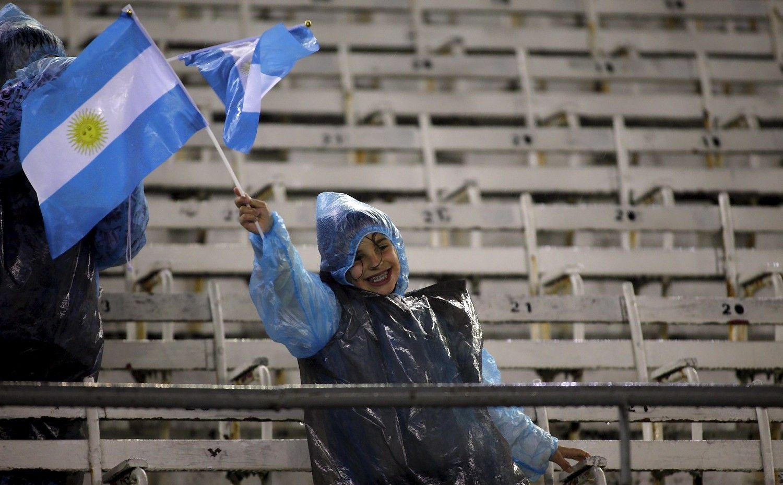 Investuotojų atlaidumas Argentinai: išgraibstė 100 metų obligacijas
