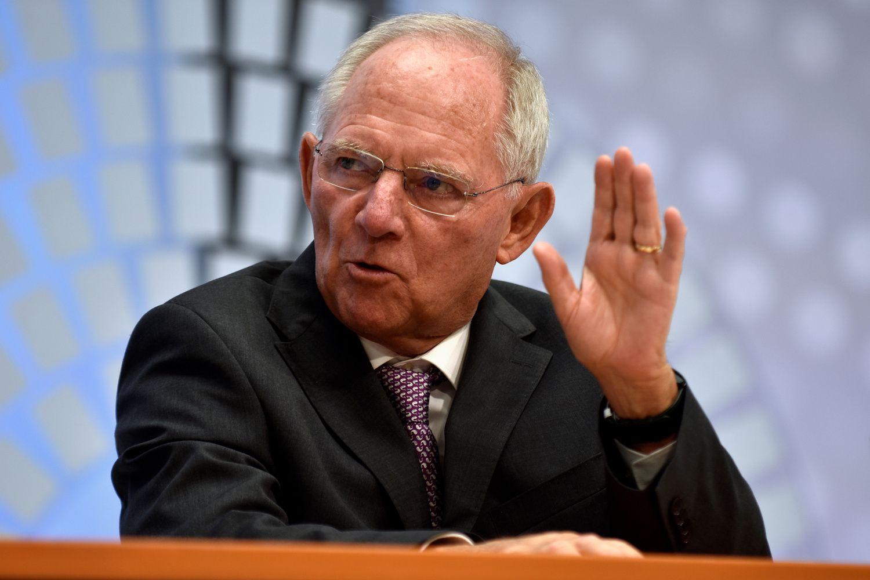 Schaeuble: Rusijos ir Kinijos noras dominuoti – grėsmingas