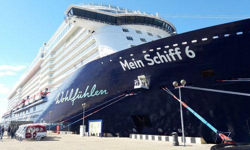 """Klaipėdoje lankosi tik šiemet pastatytas kruizinis laineris """"Mein Schiff 6"""""""