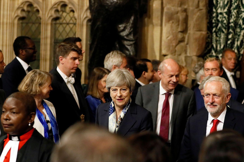 """Karalienė Elžbieta II išvardijo vyriausybės darbus, tikslas – """"Brexit"""""""