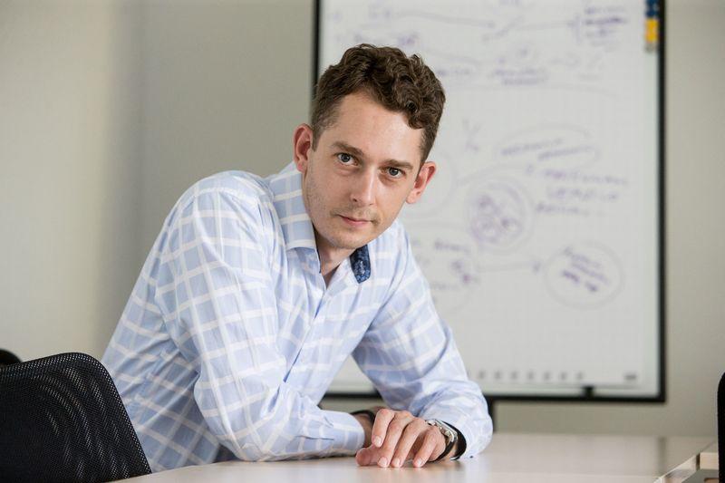 """Ramojus Reimeris, Mokslo ir studijų stebėsenos ir analizės centro (""""Mosta"""") Inovacijų politikos analizės skyriaus vadovas, vykdantis direktoriaus funkcijas. Juditos Grigelytės (VŽ) nuotr."""