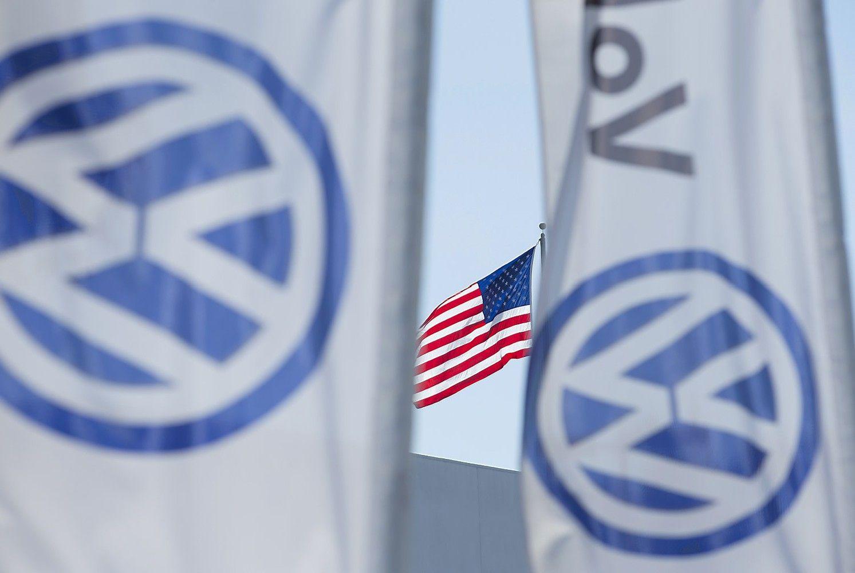 """""""Dyzelgeitas"""": JAV per """"Interpolą"""" ieško penkių VW atstovų"""