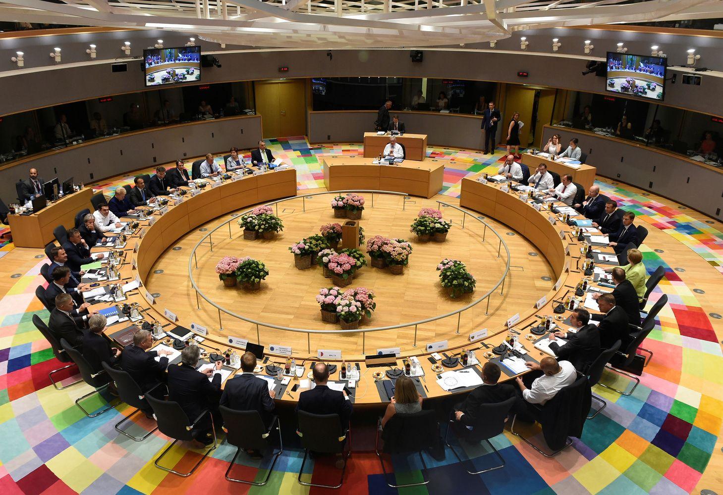 ES baudžia Rusiją už Minsko susitarimų nevykdymą