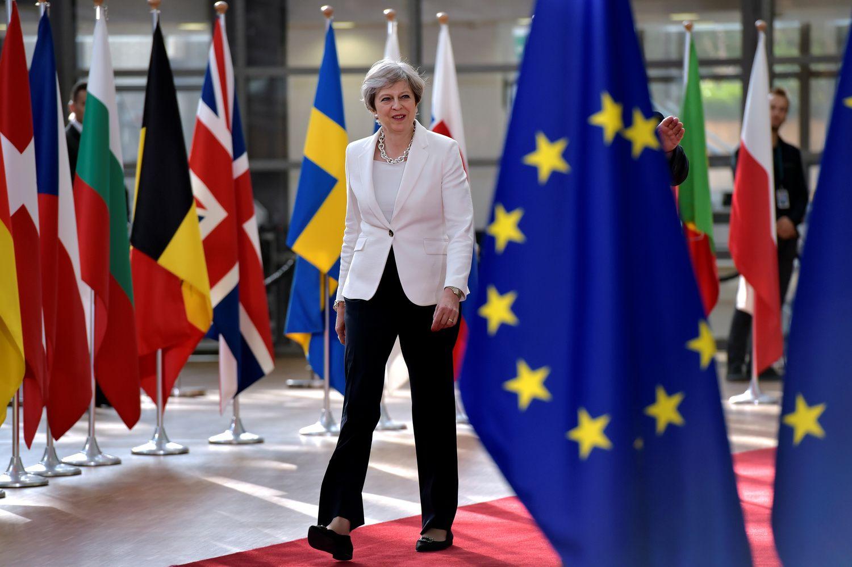 May's Brexit Critics Circle as U.K. Parliament Flexes Muscles