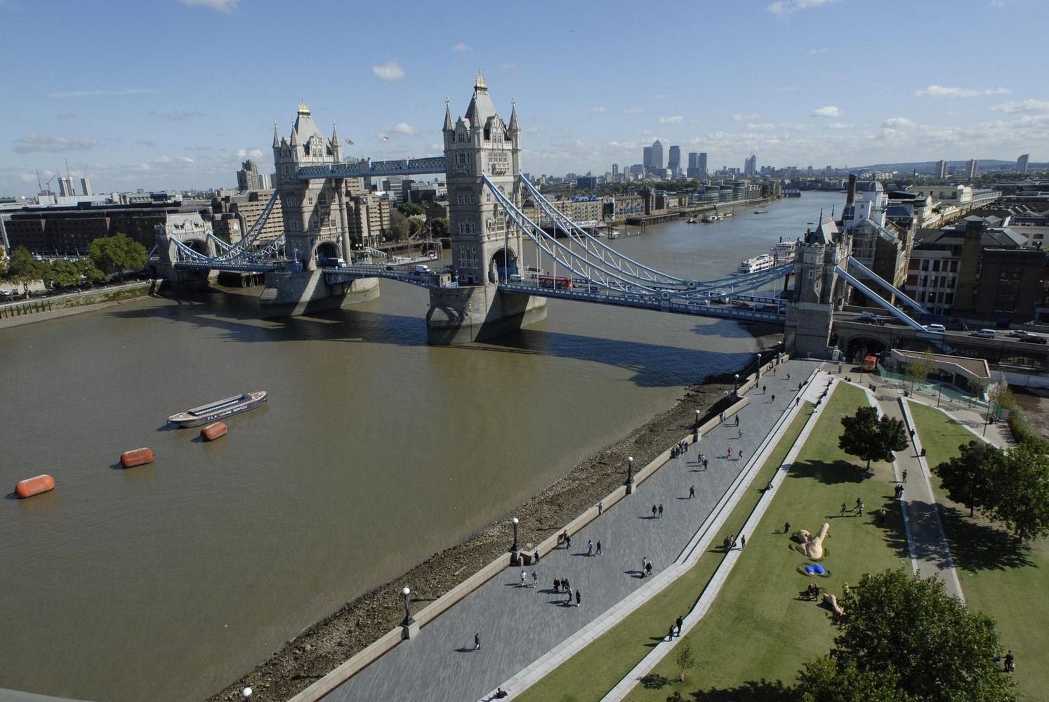 Iliustruotoji istorija: Tauerio tiltas išgelbsti Londoną