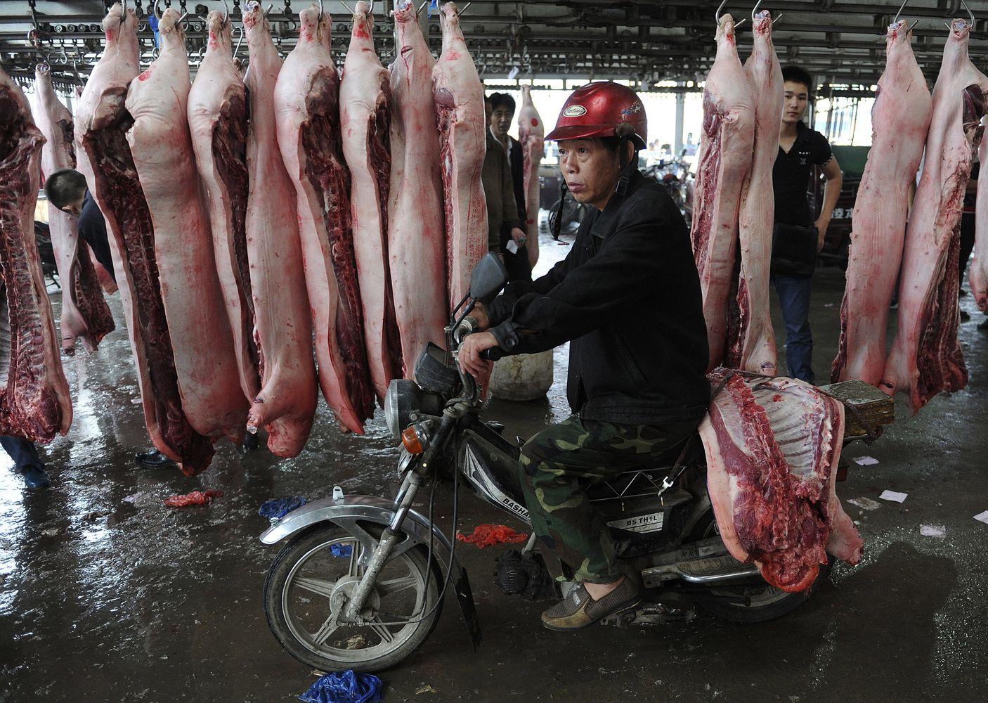 Kiaulininkams Kinijoje darosi nebesaldu