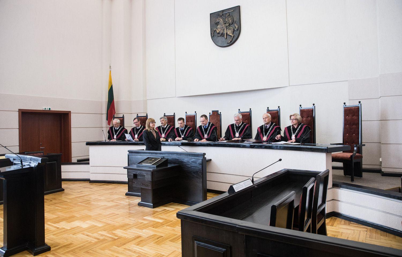 Seimas darsyk paklausė Konstitucinio Teismo dėl dvigubos pilietybės