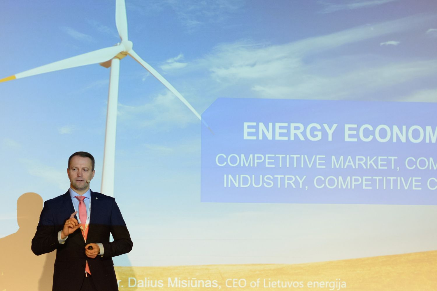 """""""Lietuvos energija"""" žaliąsias obligacijas platins pasipuošusi BBB+ kredito reitingu"""