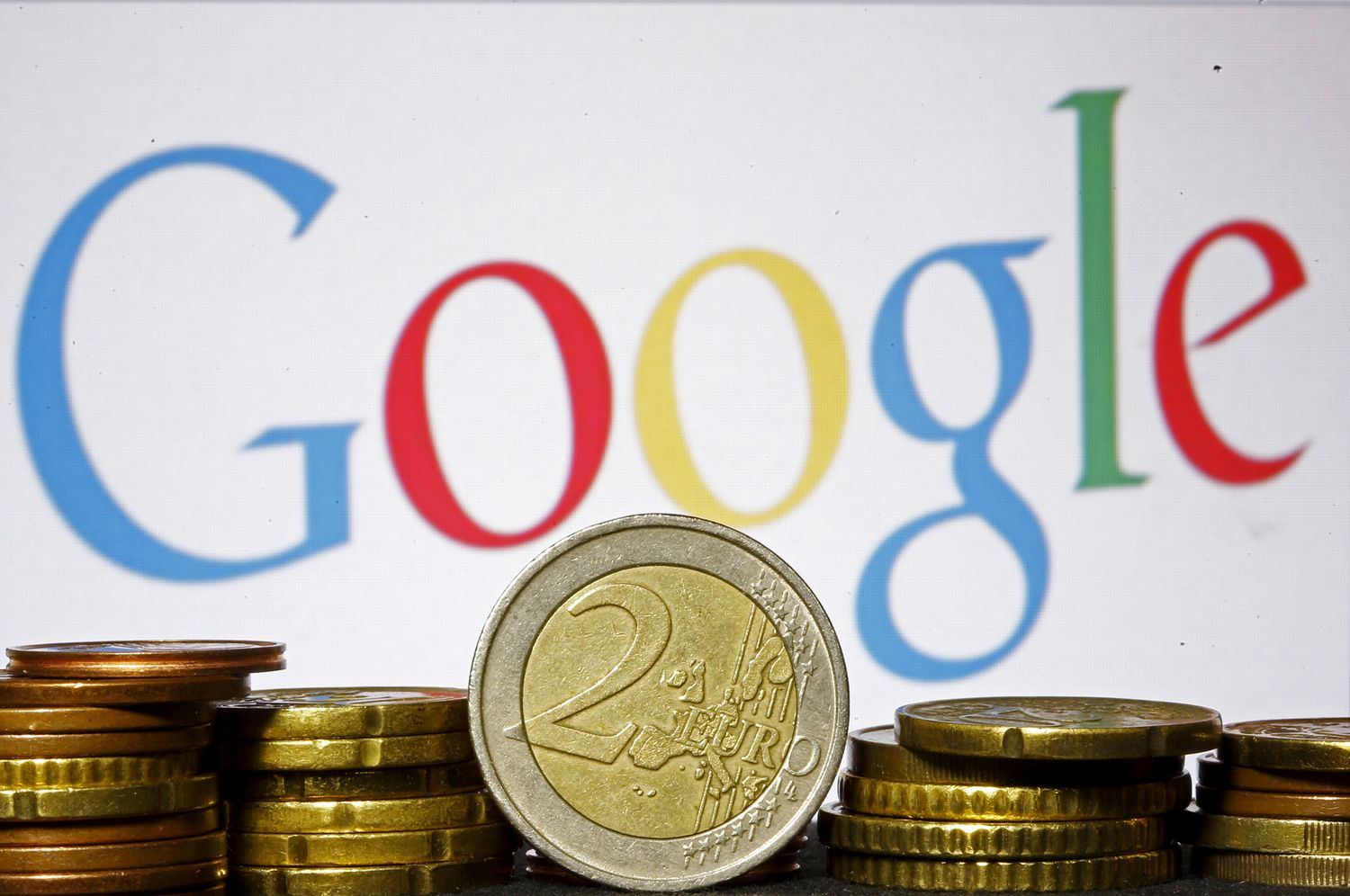 Google's Record Fine May Boost Old Foes' Claims of Abuse (1)
