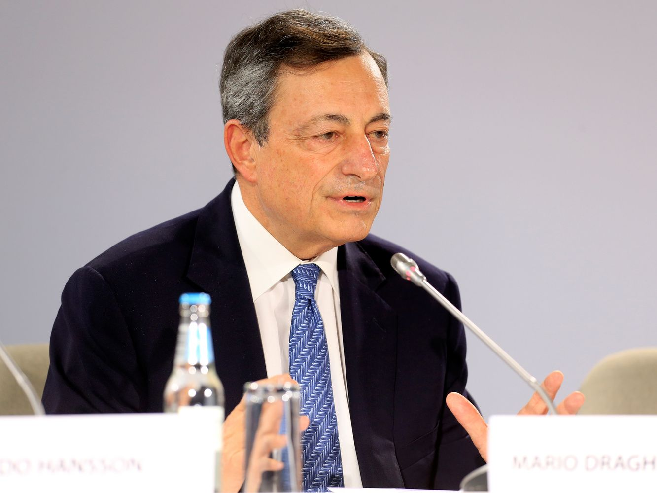 Draghi Sees Room for Paring Stimulus Without Tightening Policy