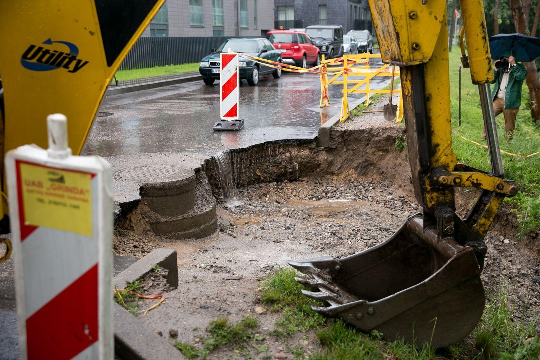 Ketvirtadienio liūtis Vilniuje sukėlė 200 avarinių situacijų