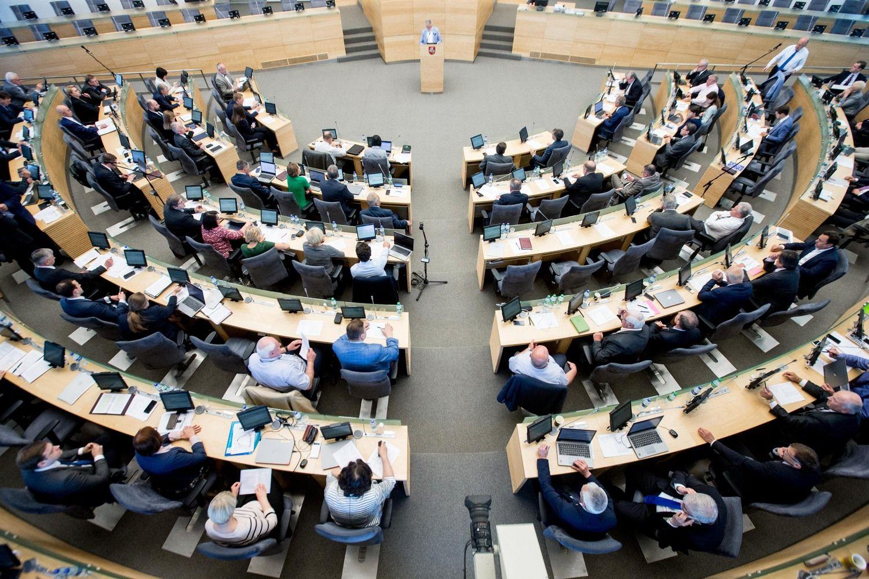 Seimo sesija pratęsta, kad būtų svarstoma urėdijų reforma