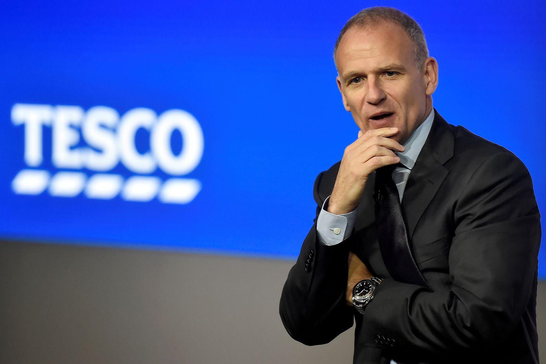 """""""Tesco"""" persitvarko ir atleidžia dar 1.200 darbuotojų"""