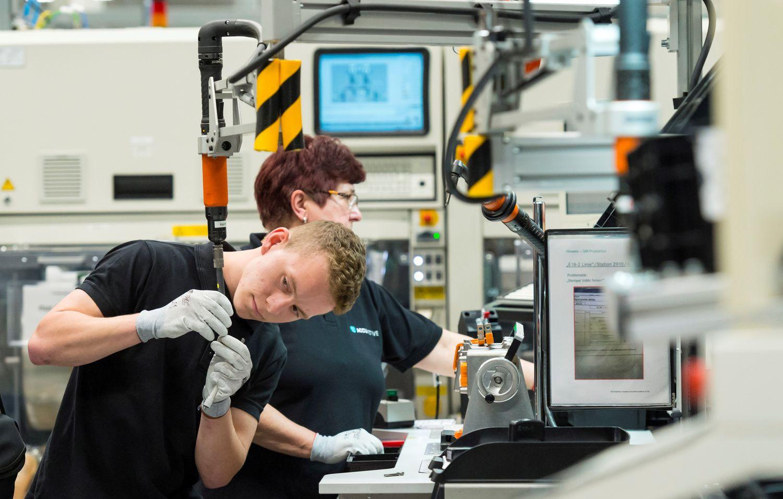 Nedarbas euro zonoje gegužę nesumažėjo
