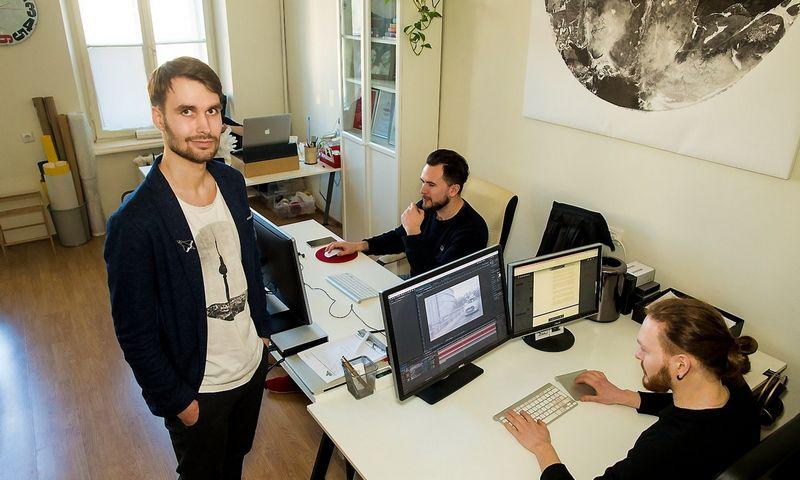 """Airidas Janušauskas, MB """"Audiovizualiniai sprendimai"""" bendraturtis: """"Pradėdamas verslą manai, kad kursi gerą produktą ar siūlysi gerą paslaugą, juos parduosi ir to užteks."""" Vladimiro Ivanovo (VŽ) nuotr."""