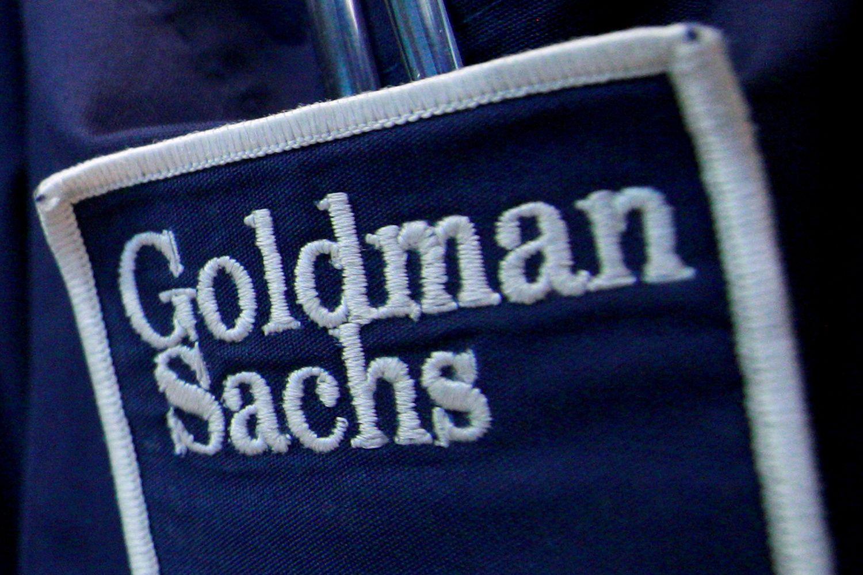 """""""Goldman Sachs"""" nesiseka prekiauti žaliavomis: gali mažinti padalinį"""