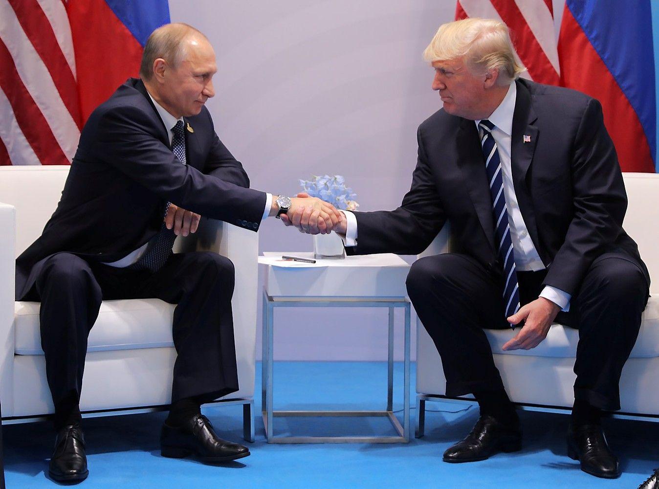 Trumpo ir Putino susitikimas viršijo dvi valandas