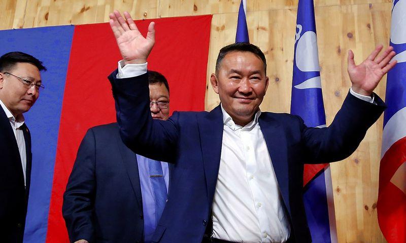 "Khaltmaa Battulga, išrinktasis Mongolijos prezidentas. B. Rentsendorj (""Reuters"" / ""Scanpix"") nuotr."
