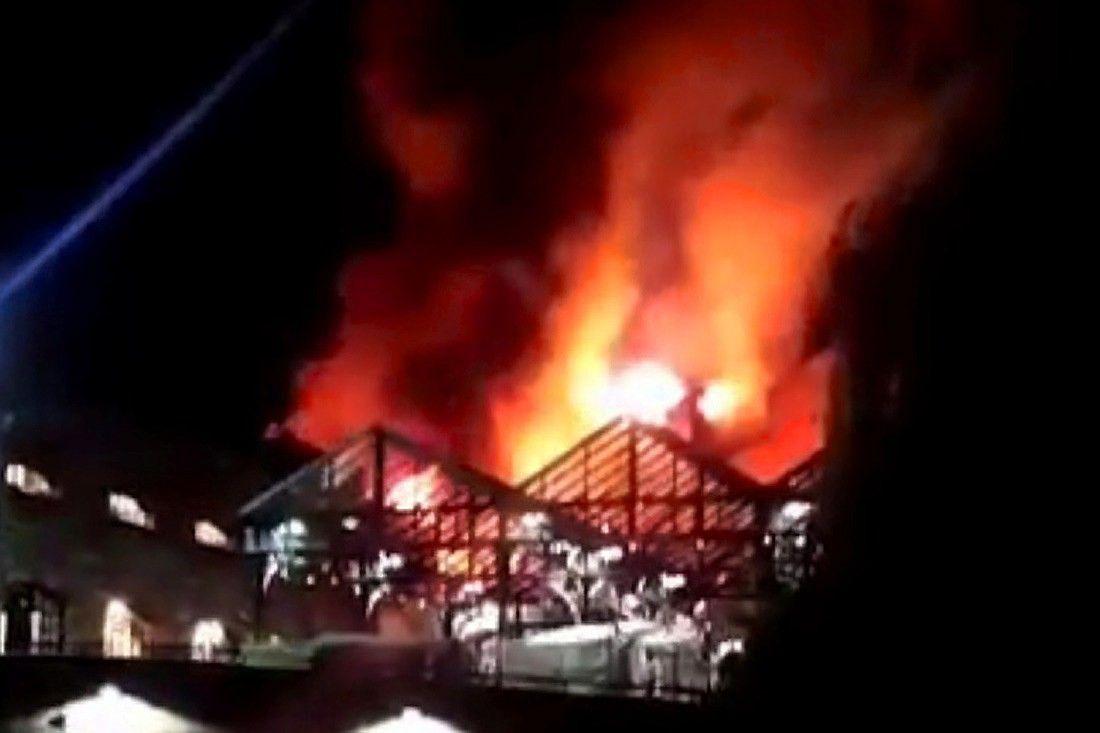 Londone gaisras nusiaubė turistų pamėgtą turgų