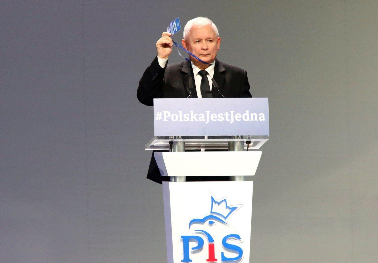 Lenkija didins mokesčius degalams